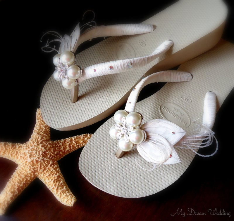 Ivory Wedge Sandals for Beach Wedding | via 31 Best Handmade Wedding Shoes http://emmalinebride.com/bride/handmade-wedding-shoes/