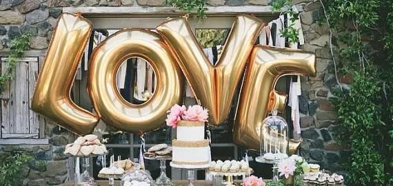 love gold balloons