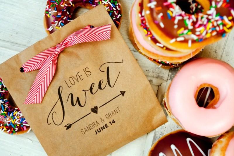 Love Is Sweet Kraft Paper Favor Bags by Mavora