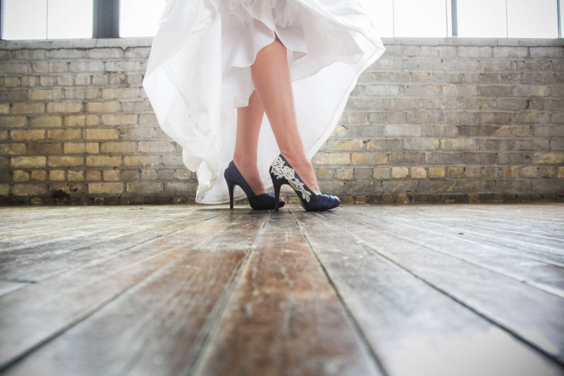 navy bridal shoes | something blue ideas for bride - http://emmalinebride.com/planning/something-blue-ideas-for-bride/