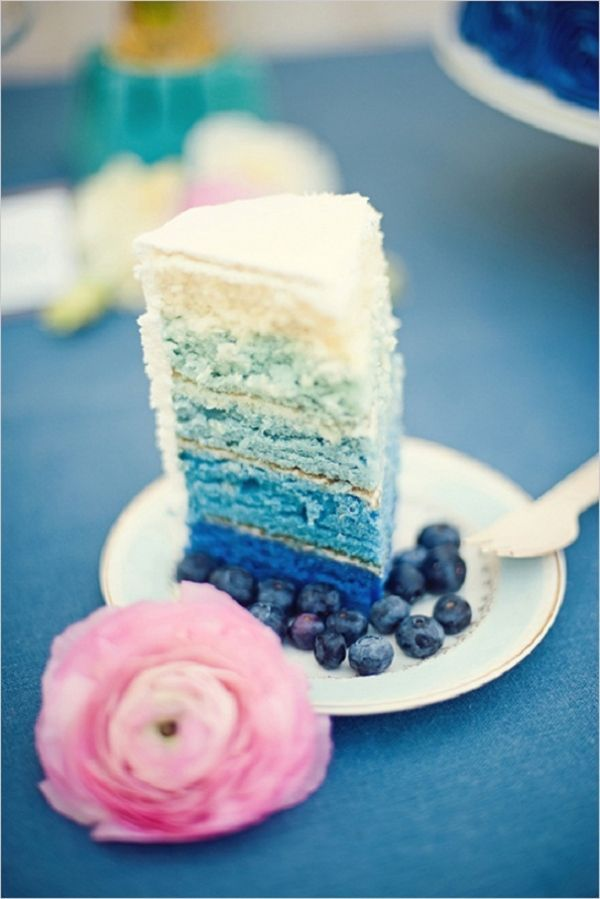 ombre wedding cake | via 30 Best Ombre Wedding Ideas