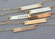 personalized gold bar necklace (3)