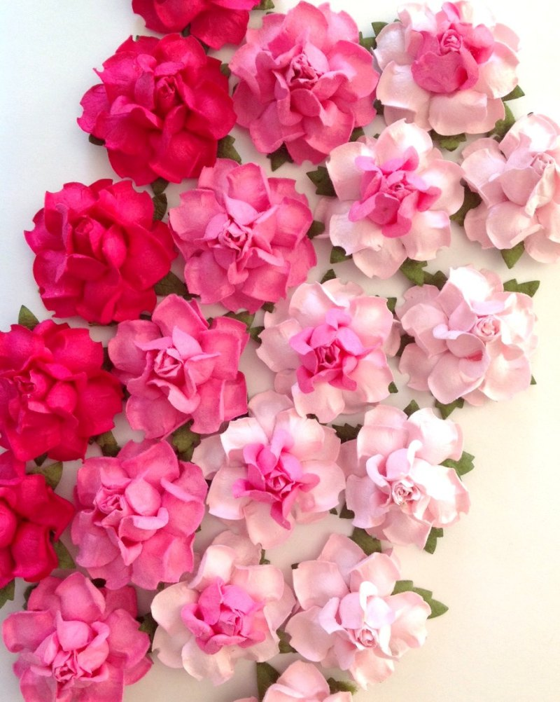 pink paper flowers ombre | Paper Flowers for DIY Projects http://emmalinebride.com/2015-giveaway/paper-flowers-for-diy-projects/