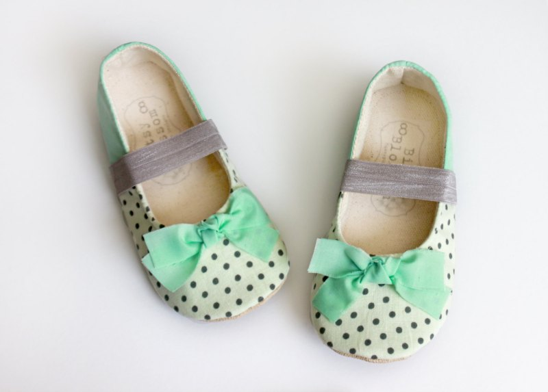 black and white and mint polka dot shoes | handmade flower girl shoes via http://emmalinebride.com/spring/handmade-flower-girl-shoes/