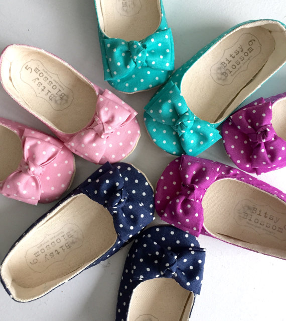 polka dot flower girl shoes   via polka dot wedding ideas http://emmalinebride.com/themes/polka-dot-wedding-ideas-handmade/
