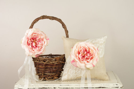 Rustic Flower Girl Baskets (by Duryea Place Designs via EmmalineBride.com) #handmade #wedding #flower-girl #ceremony