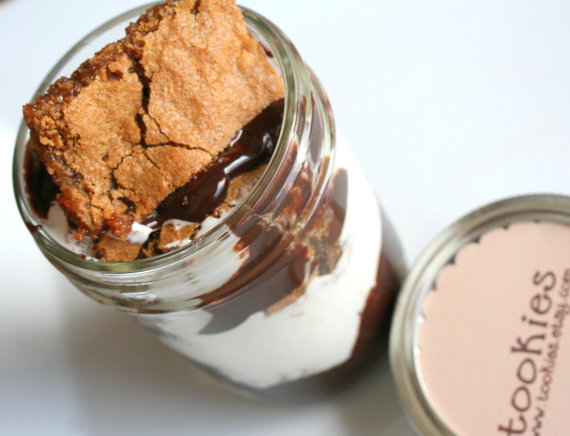 50 Best Bridal Shower Favor Ideas: smores in a jar (by tookies)
