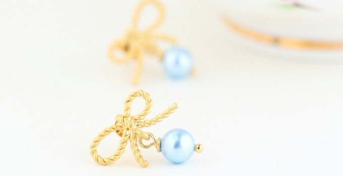 something blue pearl earrings for the bride