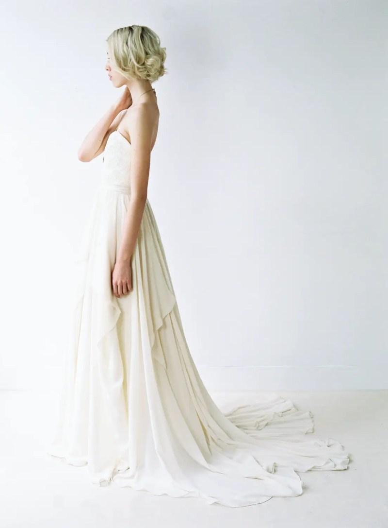Romantic Chiffon Wedding Gown | http://emmalinebride.com/bride/romantic-chiffon-wedding-gown