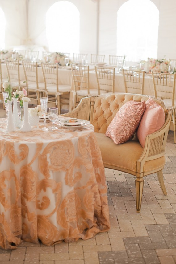 sweetheart table with pillows
