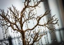 tree-centerpiece-winter-wedding-wish-trees
