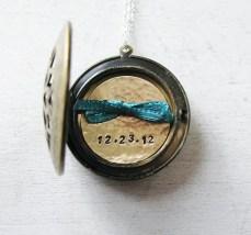 wedding-date-necklace