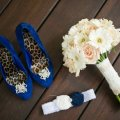 wedding-garter-shoes-bouquet