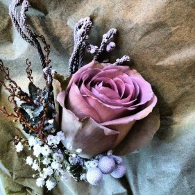 vintage_rose_buttonhole