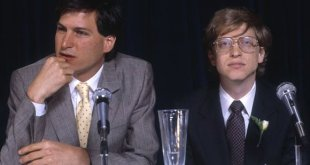 Bill Gates and Steve Jobs photographed in NY in 1985
