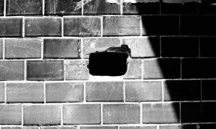 Hole in the wall – Kodak T-MAX 100 (35mm)