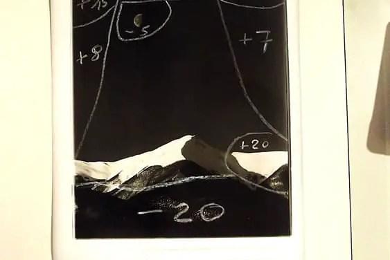 Photo Story – Montagne coperte di neve e la luna di Antonio Biagiotti