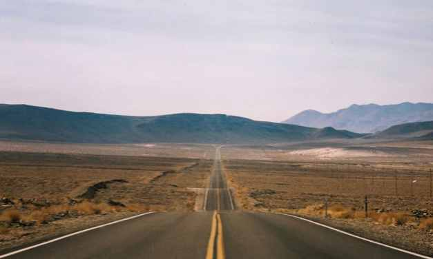 Death Valley Approach #01 – Kodak Pro 400 MC 6059 (120)