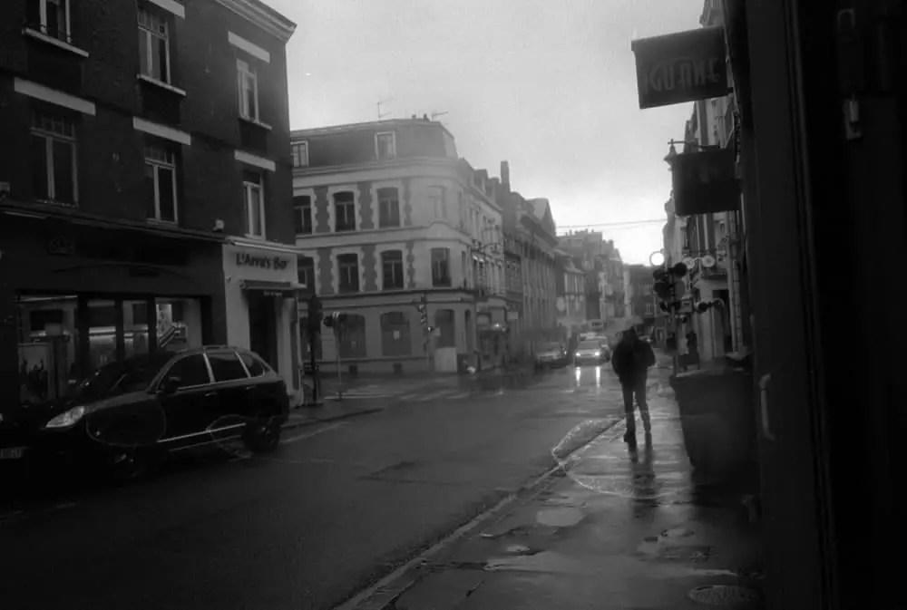 The photo from Arras that I gave as a print to Heather. Contax G2 – Carl Zeiss Biogon 2,8/28 – Kodak Tri-X 400 – Kodak HC-110.