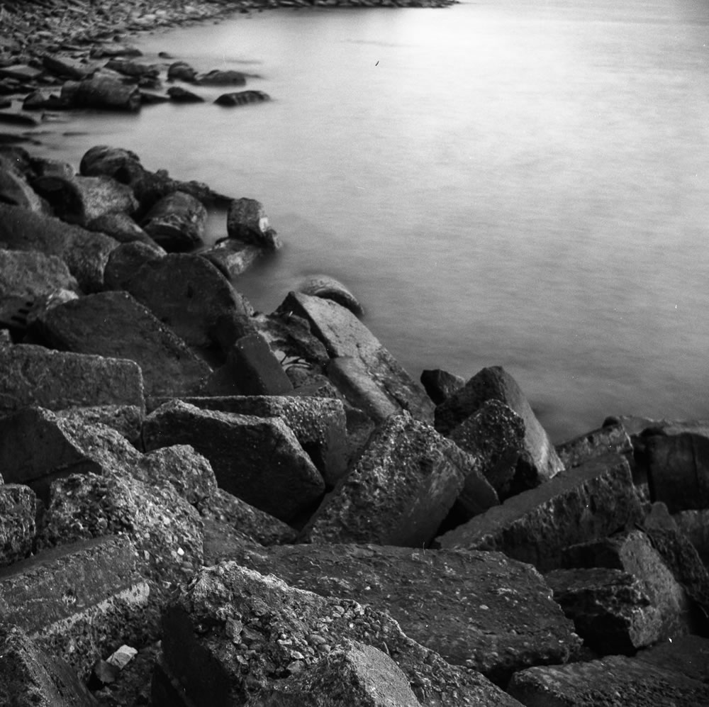 Long Exposure Test - ILFORD FP4+ - EI: 125 - Aperture: f/11 - Shutter: 16s