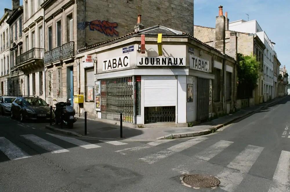 Corner of Rue Docteur Albert Barraud (déporté 1940-1945) and Rue Emile Fourcand