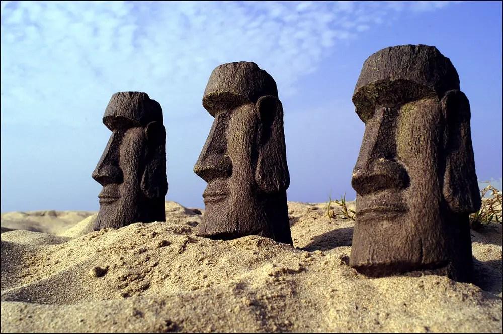 "6"" Rapa Nui Figurines, Venice Beach - Nikon F3HP, Kodak film"