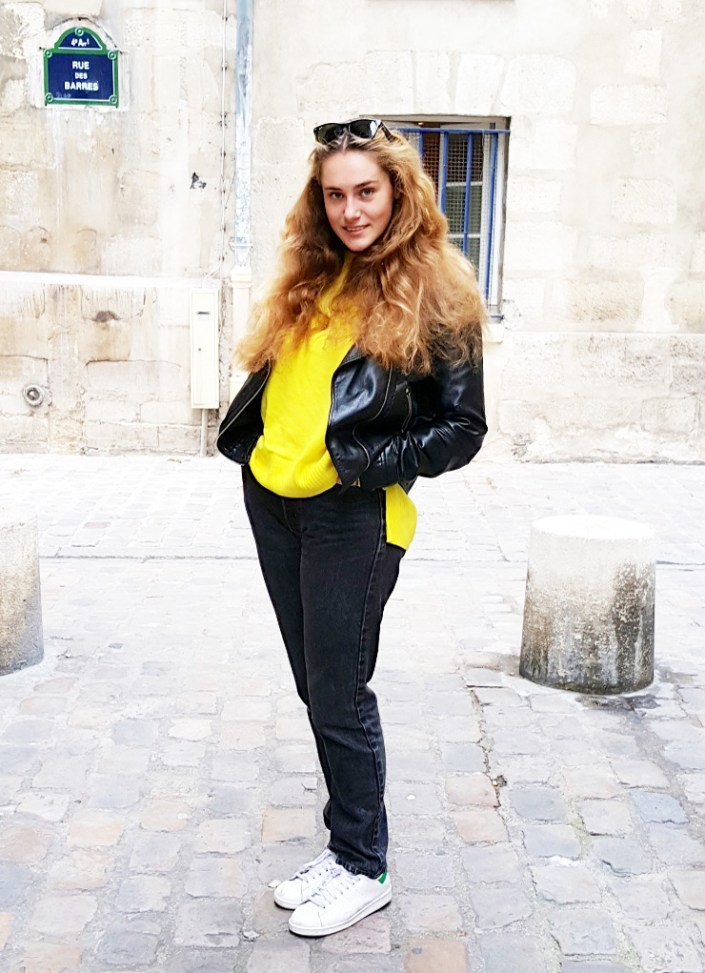 How to wear flashy color even in winter !