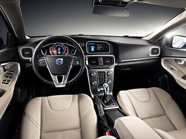 Volvo V40 Car Review_0003