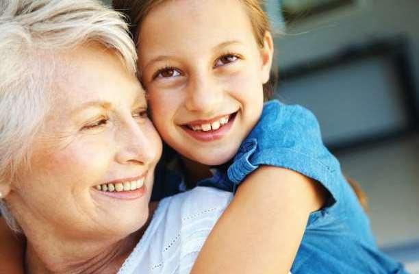γιαγιά παπούδες μεσήλικας παιδιά γυναίκα