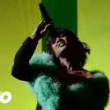 WATCH: Rihanna – Love On The Brain Live From the 2016 Billboard Music Awards