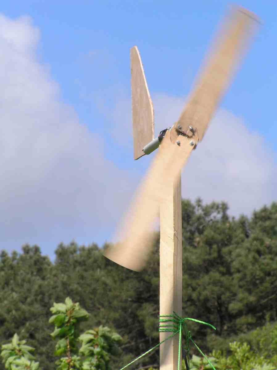 Fabrication d une petite olienne la queue les energies vertes - Fabrication d une eolienne ...