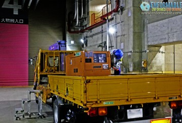 Carrying out a spare generator (mock) (turbine building at Unit 4) (pictured on October 13, 2011)