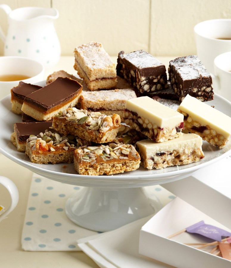afternoon-tea-party-enjoy-crumb-gift-box