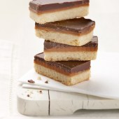 Crumb-luxury-caramel-shortbread