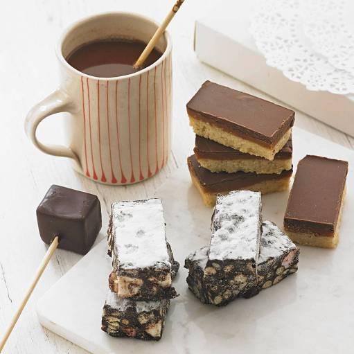 original_hot-chocolate-and-handmade-cakes-gift-box