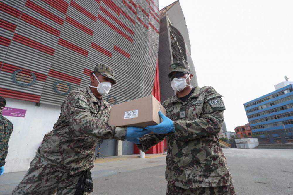 Selección de Perú donó mascarillas y artículos sanitarios a fuerzas armadas