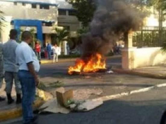 Medicos quemando gomas