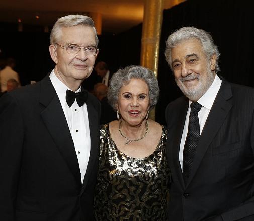Placido Domingo with Alicia & Ed Clark at Hispanics for the Opera
