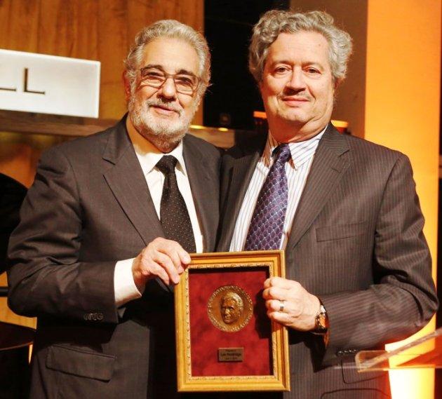 Placido Domingo presenting Award to Composer Lee Holdridge