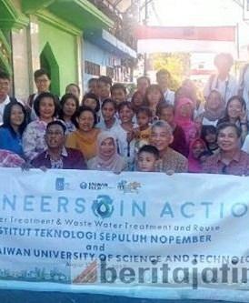 Mahasiswa NTUST dan ITS Bantu Pengolahan Air di Lebak Rejo