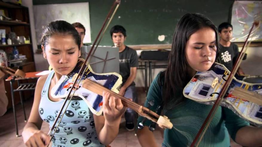 Resultado de imagen para La Orquesta de Instrumentos Reciclados de Cateura
