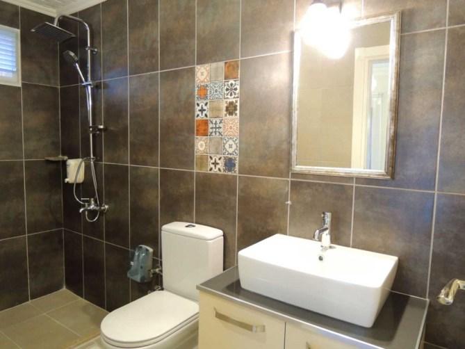 Modern bathroom with rain shower
