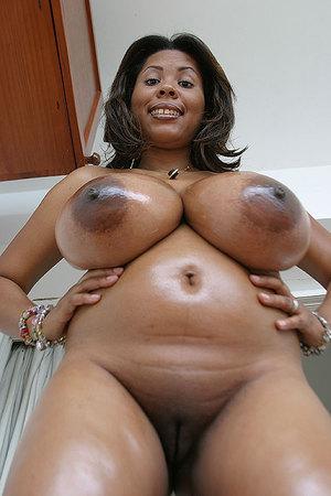 curvy arab women nude