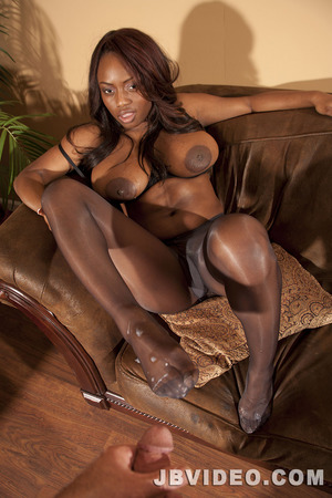 mature pantyhose galleries