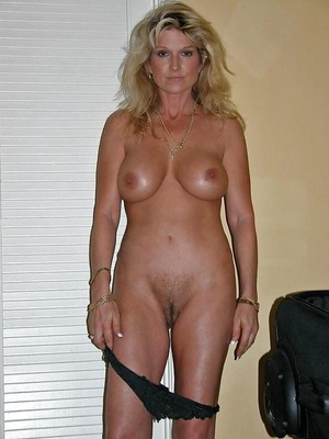 sexy wife nude