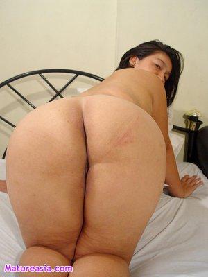 super wide hips ass