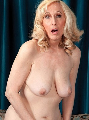 omas empty tits