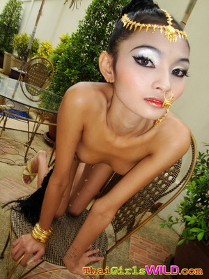 tropical island women nude