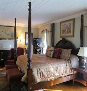 Arrowhead Inn The Briton Room