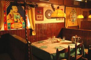 Ratzinger's Favorite Table